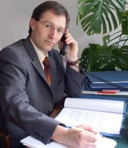 Kontakt herstellen für Ihre Fragen an Rechtsanwalt und Fachanwalt Dr. Thomas Langner in Chemnitz